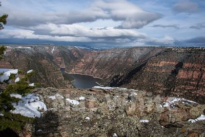 Flaming_Gorge-1_May_01_20161