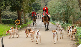 South Shropshire Hounds arriving at the meet - The South Shropshire and Belvoir Hunts at Belvoir Castle 11/3/17