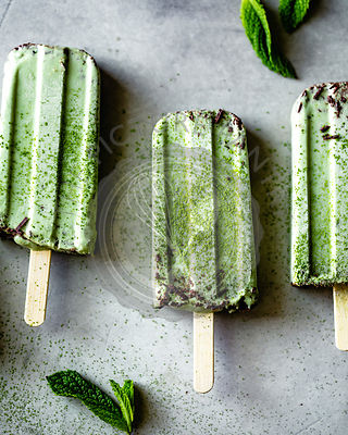 Matcha and  mint chocolate chip popsicles