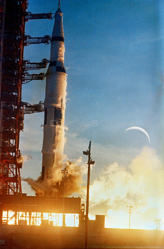 21 Dec. 1968) --- The Apollo 8 (Spacecraft 103/Saturn 503) space vehicle is launched from Pad A, Launch Complex 39, Kennedy Space Center