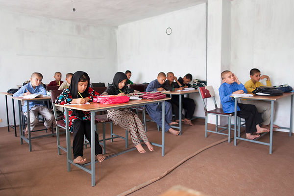 Classe d'une école mixte à Kaboul, Afghanistan / Classroom of a mixed school in Kabul, Afghanistan
