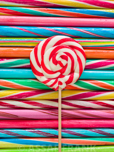 Swirl lollipop with rock sweets