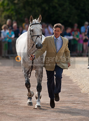 1st Inspection (trot up) photos