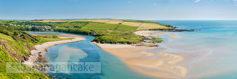 BP5350B - Panoramic view of Bantham beach, South Hams