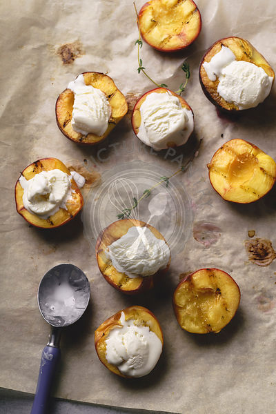 Ice cream in grilled peaches