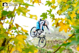 Nosewheeling through an autumn fairytale. Rider: Torsten Wessel.