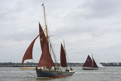 Sailing smack Pioneer tacking