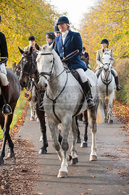 The hunt arrives at the meet - Cottesmore Hunt Opening Meet, 30/10/12