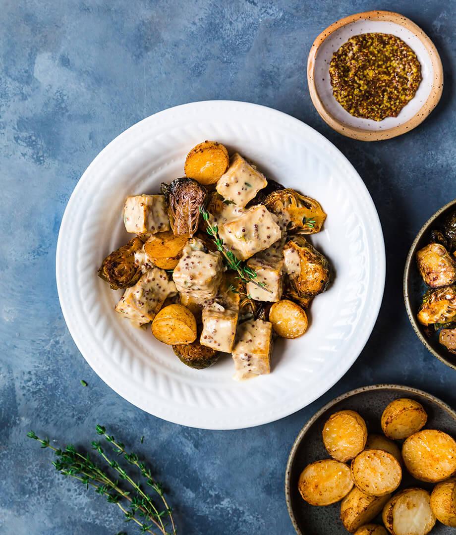 Bol De Tofu A La Moutarde Pommes De Terre Et Choux De Bruxelles