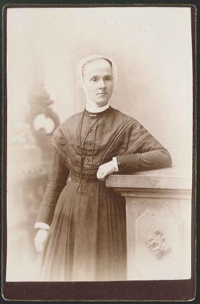 Neale, Emma Jane (1843-1943)