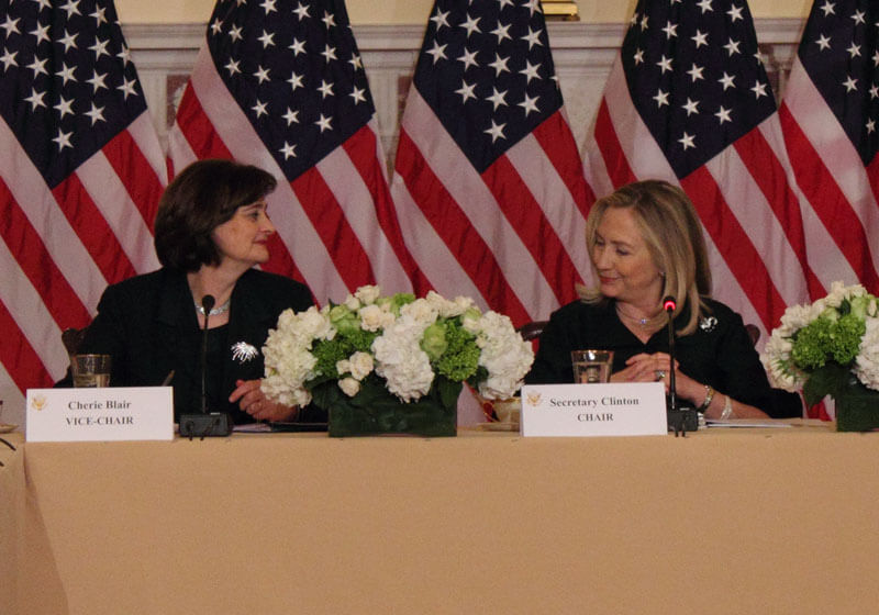 Clinton and top women business leaders boost female economic role
