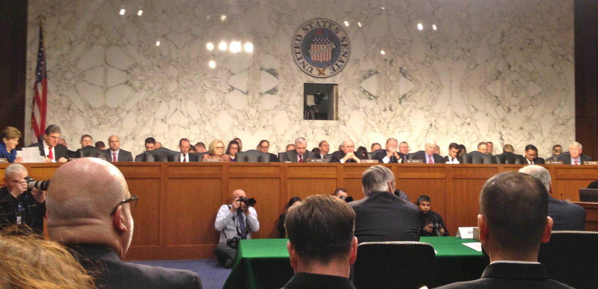 Hagel backs Obama's approach to Ukraine