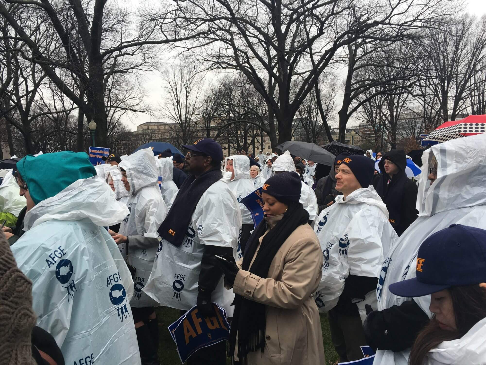 Federal employees rally on Capitol Hill, demand higher wages
