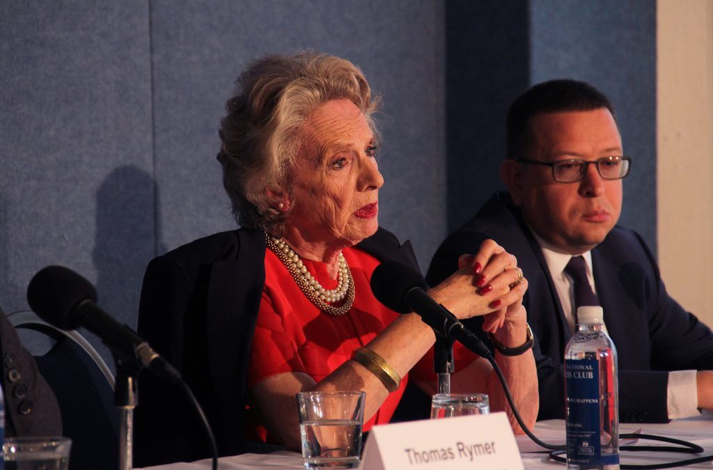 Amid difficulties, international observers eye U.S. election