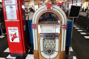 To go along with its vintage vibe, MaryAnn's is complete with a jukebox. (Charlotte Walsh/MNS)