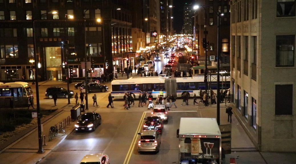 Overlooking Michigan Avenue at rush hour. (Kari McMahon/Medill)