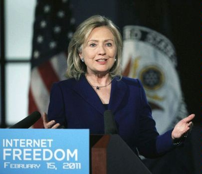 Clinton calls for online freedom