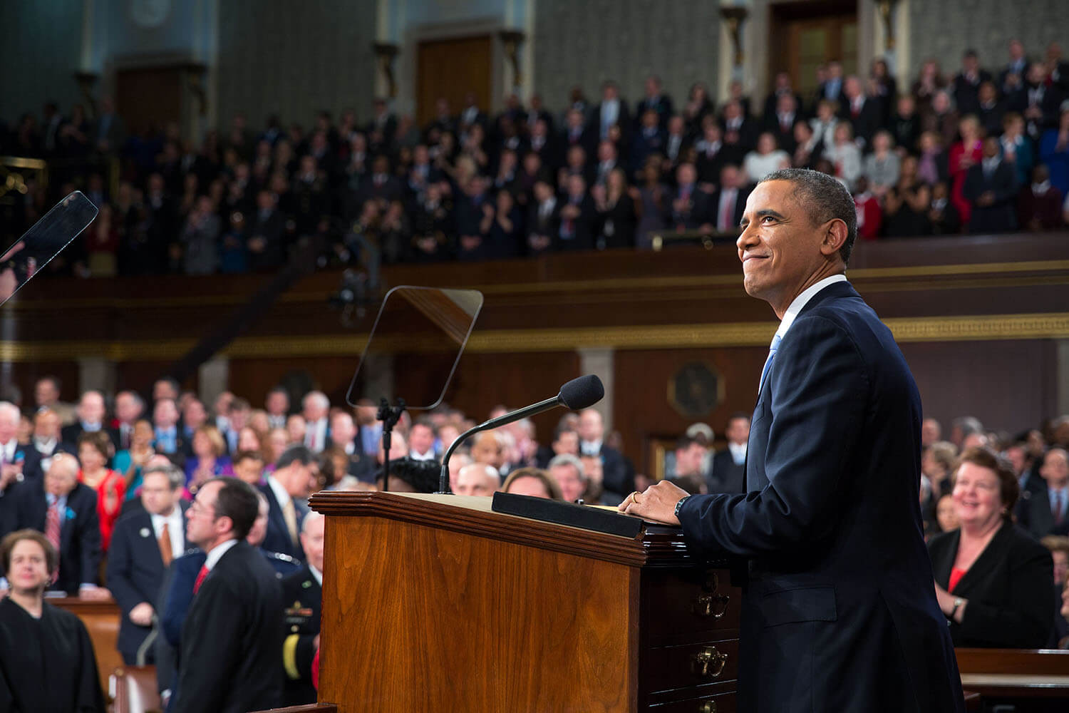 """State of the Union: Obama to push """"use of force"""" resolution against ISIS"""