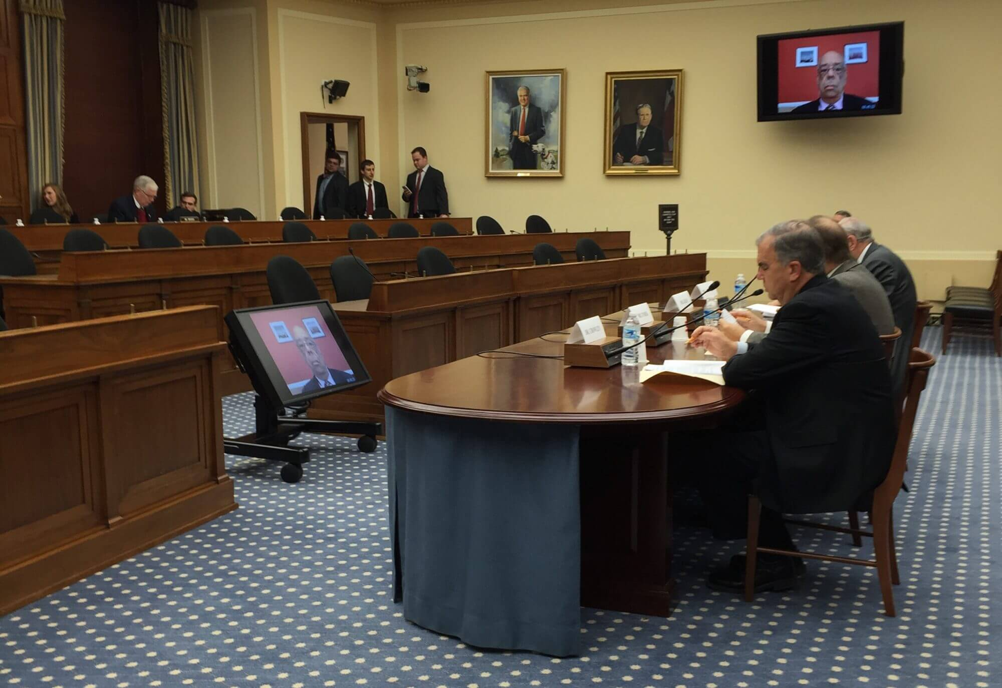 Federal research should be tied to universities and industry, House subcommittee hears