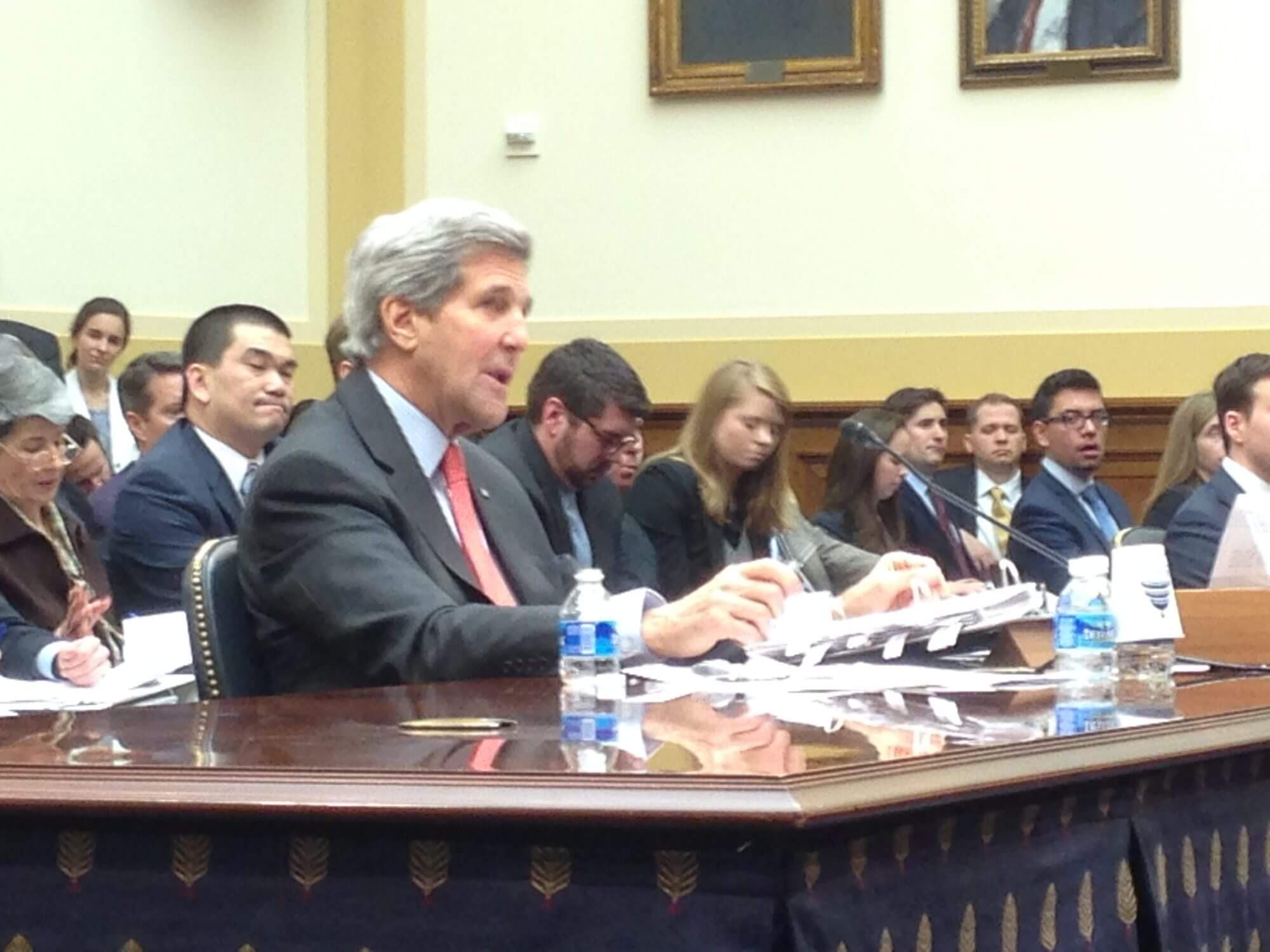 Kerry, House committee at odds over Iran negotiations