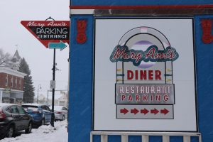 MaryAnn's remains open during a snowstorm. (Charlotte Walsh/MNS)