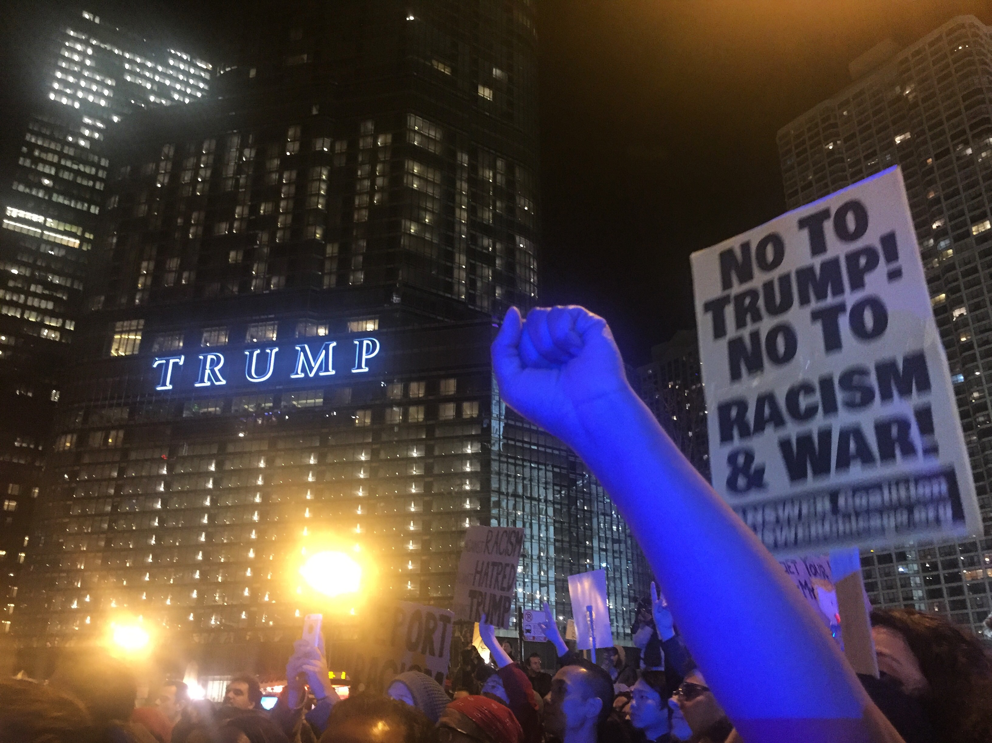 Protesters in front of Trump Tower in downtown Chicago Nov 9.2016. (Fariba Pajooh/MEDILL)