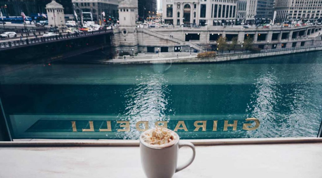 Coffee along the Chicago River