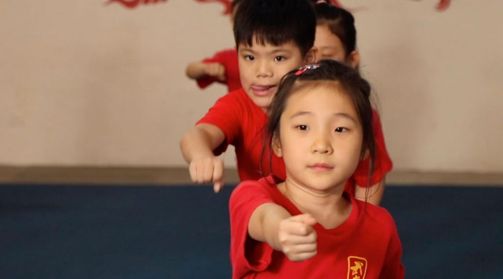 Children learn wushu in Buenos Aires
