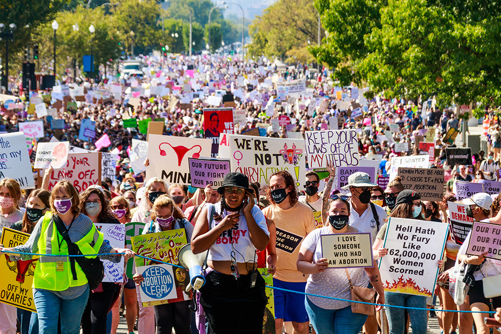 Thousands at Women's March demand abortion justice, protest Texas law restricting abortion