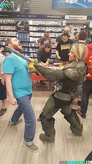 Doom Marine Doom Cosplay By Gunsgirlsgames Cosplay Com