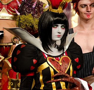 Image #47d0w084 of Red Queen / Queen of Hearts