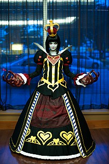 Image #3ozp9y71 of Red Queen / Queen of Hearts