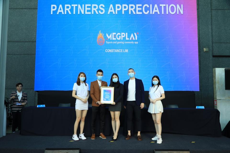 Malaysian Badminton Legend headlines virtual fitness application launch