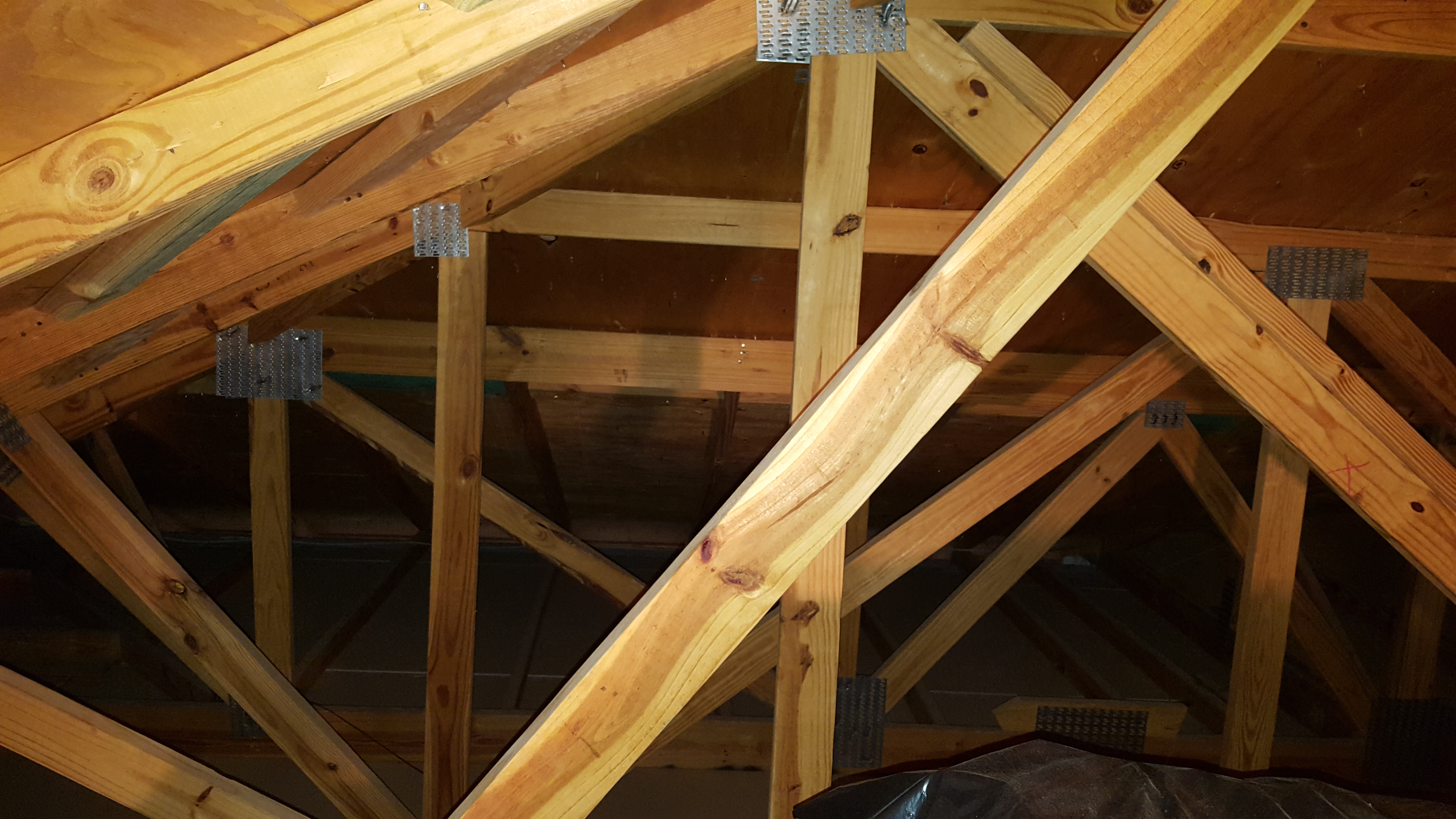 39 structural issues for home inspectors 39 course page 512 for Pre manufactured roof trusses