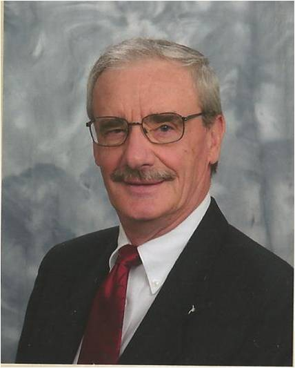Robert W Zinnecker