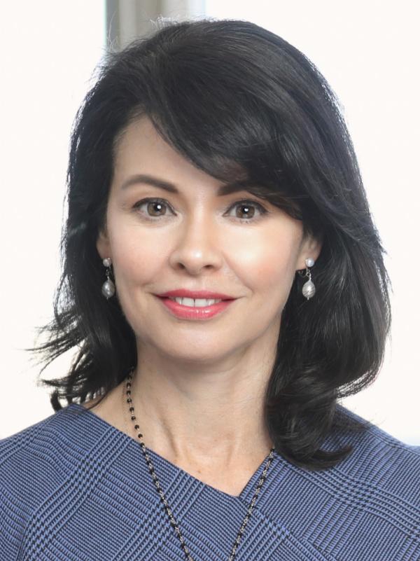 Mariana Bravo headshot