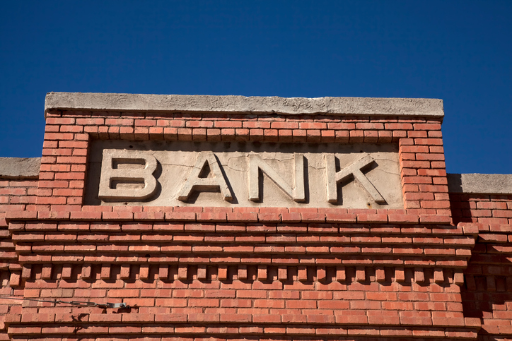 5 Reasons It Might Be Time to Switch Business Banks