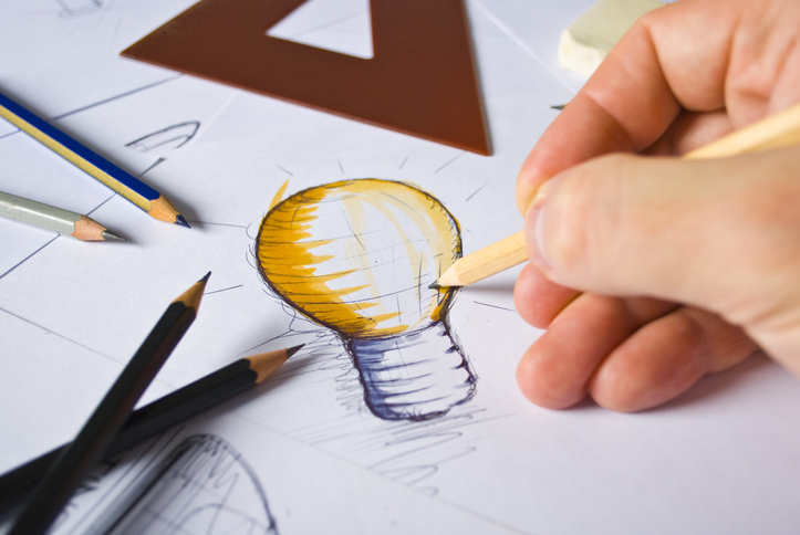 drawing a light bulb idea