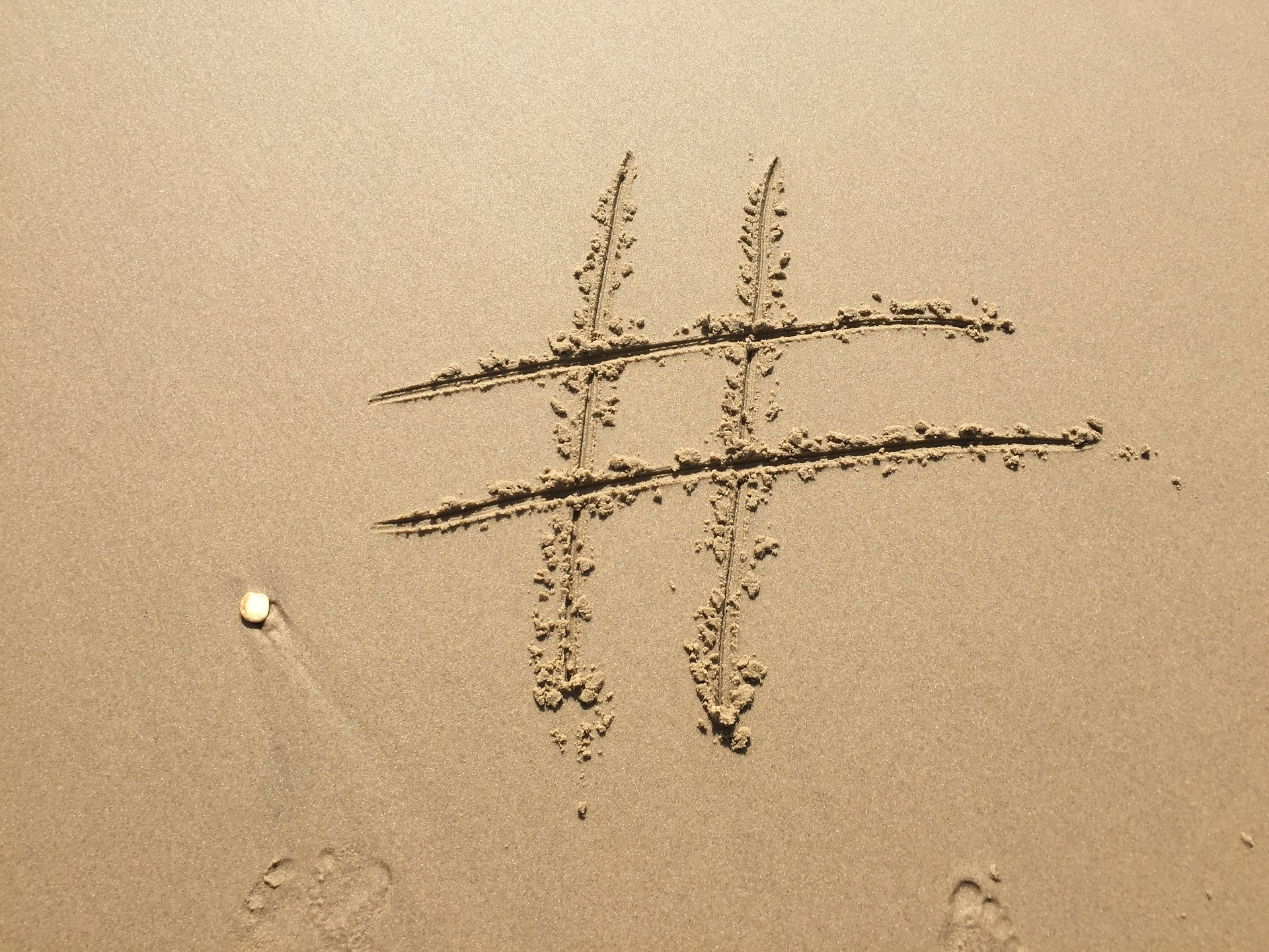 Know how and when to use hastags in social media