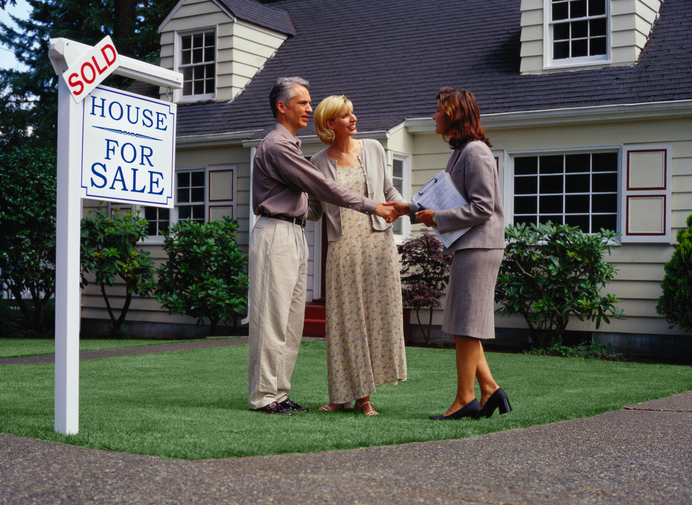 realtor with couple