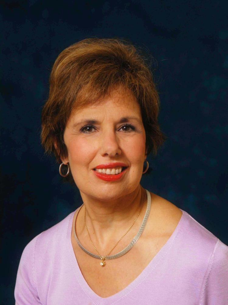 Linda M Shaheen