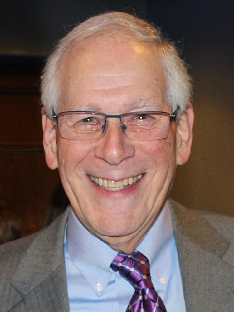 Howard E Fineman