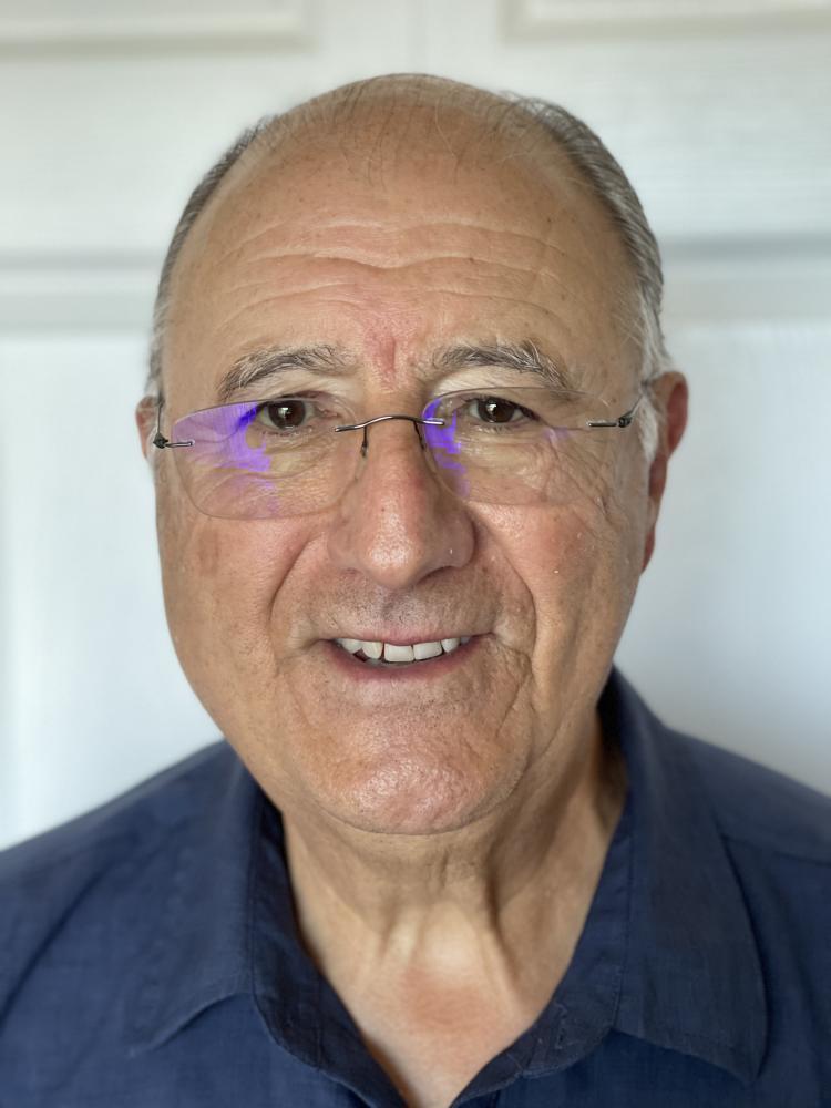 Carlos E Gonzalez