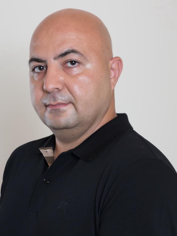 Sam Meenasian headshot