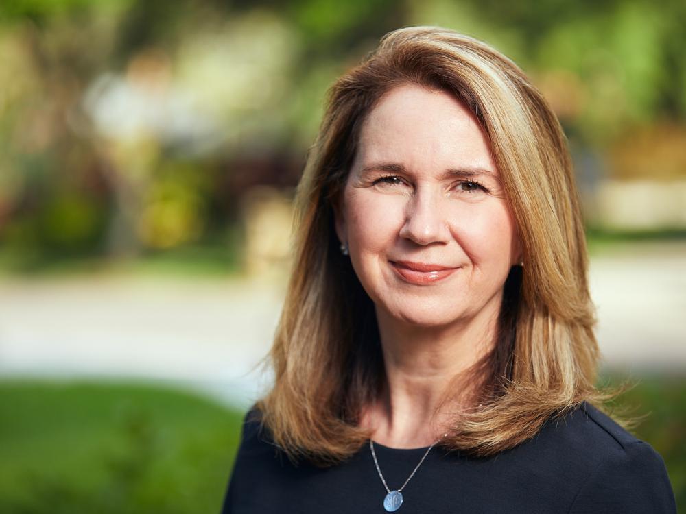 Nancy E Mueller