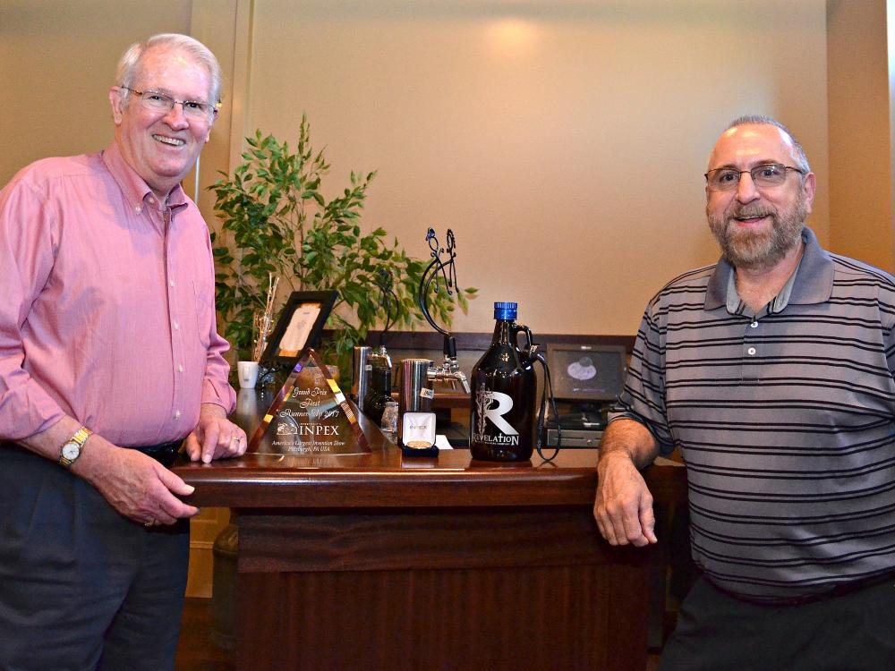 SCORE Client, Growler Grips Awarded at Invention & New Product Exposition