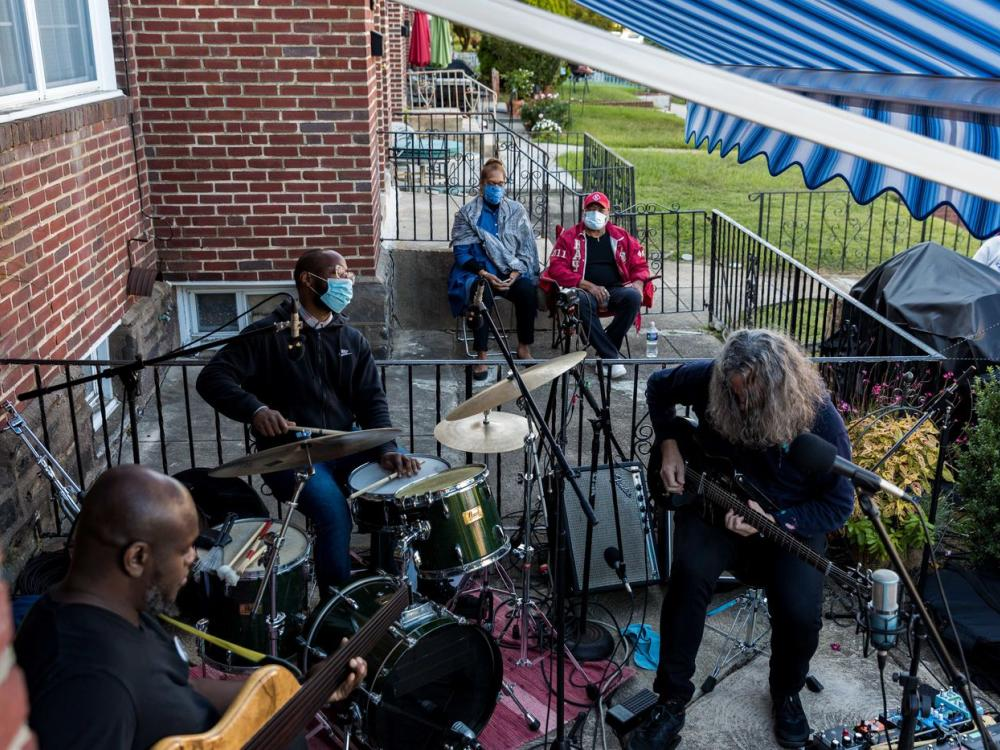 Many entrepreneurs have started home-based businesses during the pandemic, including this home-based jazz concert