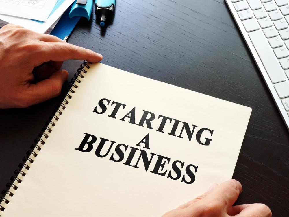 SCORE 16 - Simple Steps to Starting a Business
