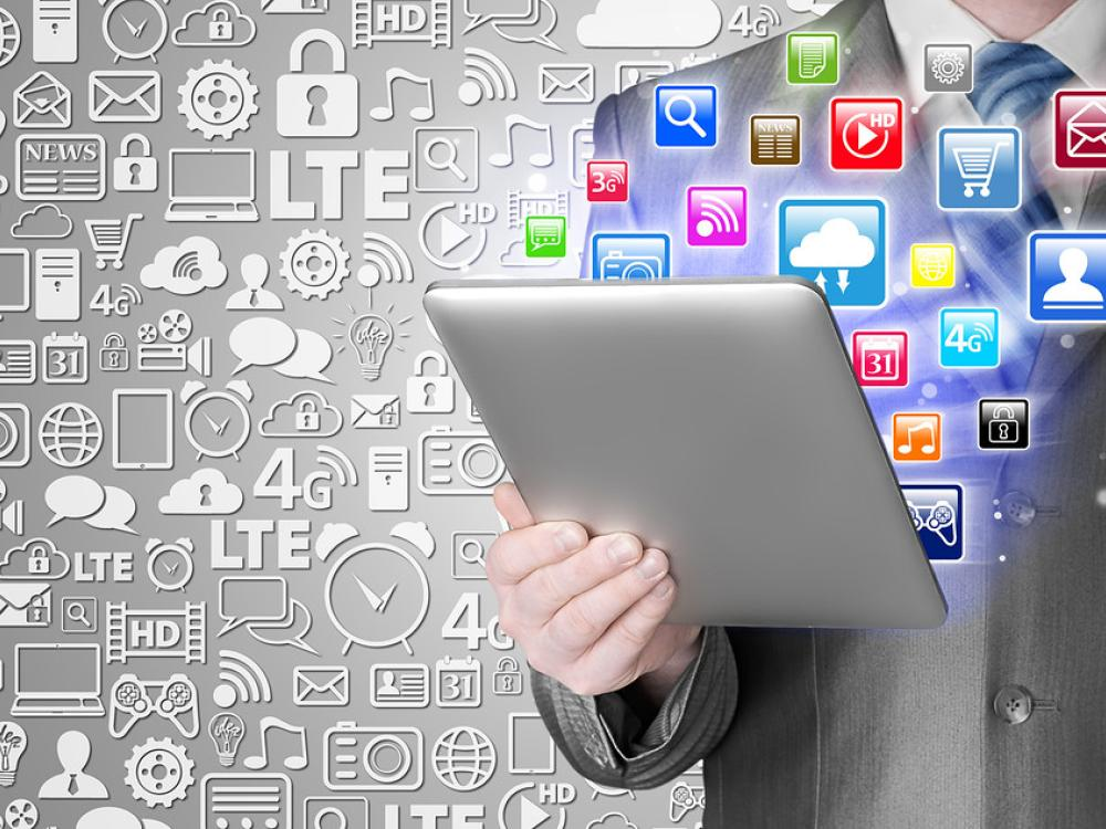 Getting Your Business Noticed: Social Media, Website or Both?