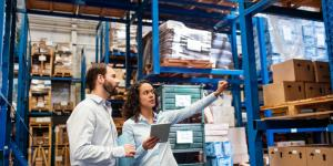 small-business-owner-manages-logistics